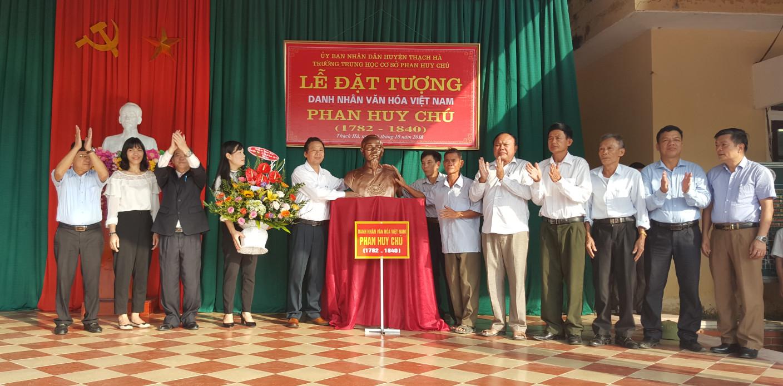 Lễ đặt tượng đồng Danh nhân văn háo Phan Huy Chú